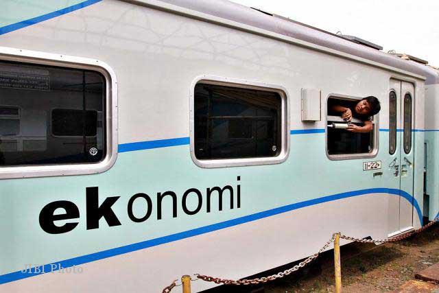 cakpoer.com kereta api ekonomi
